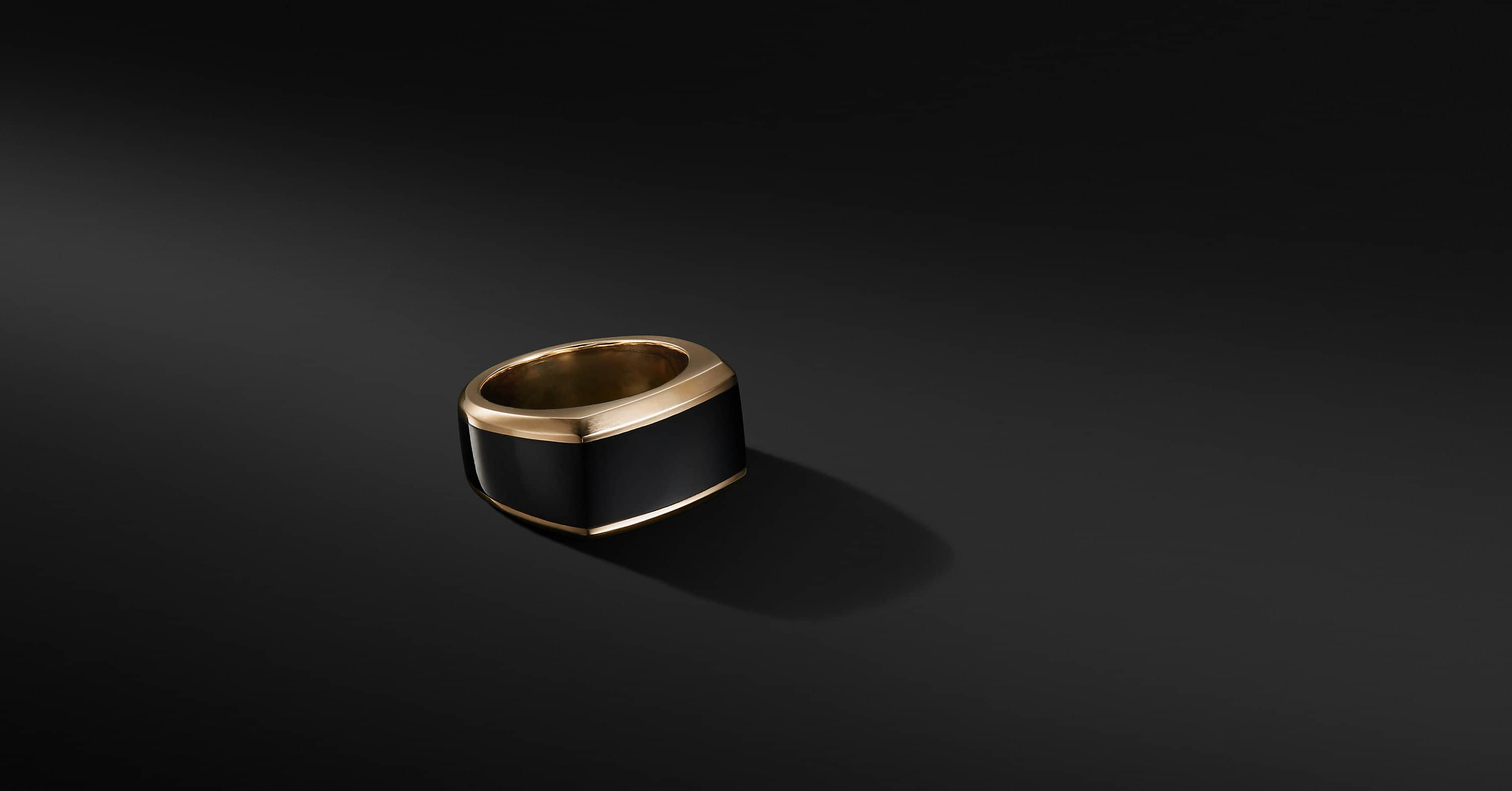 Roman Signet Ring in 18K Gold