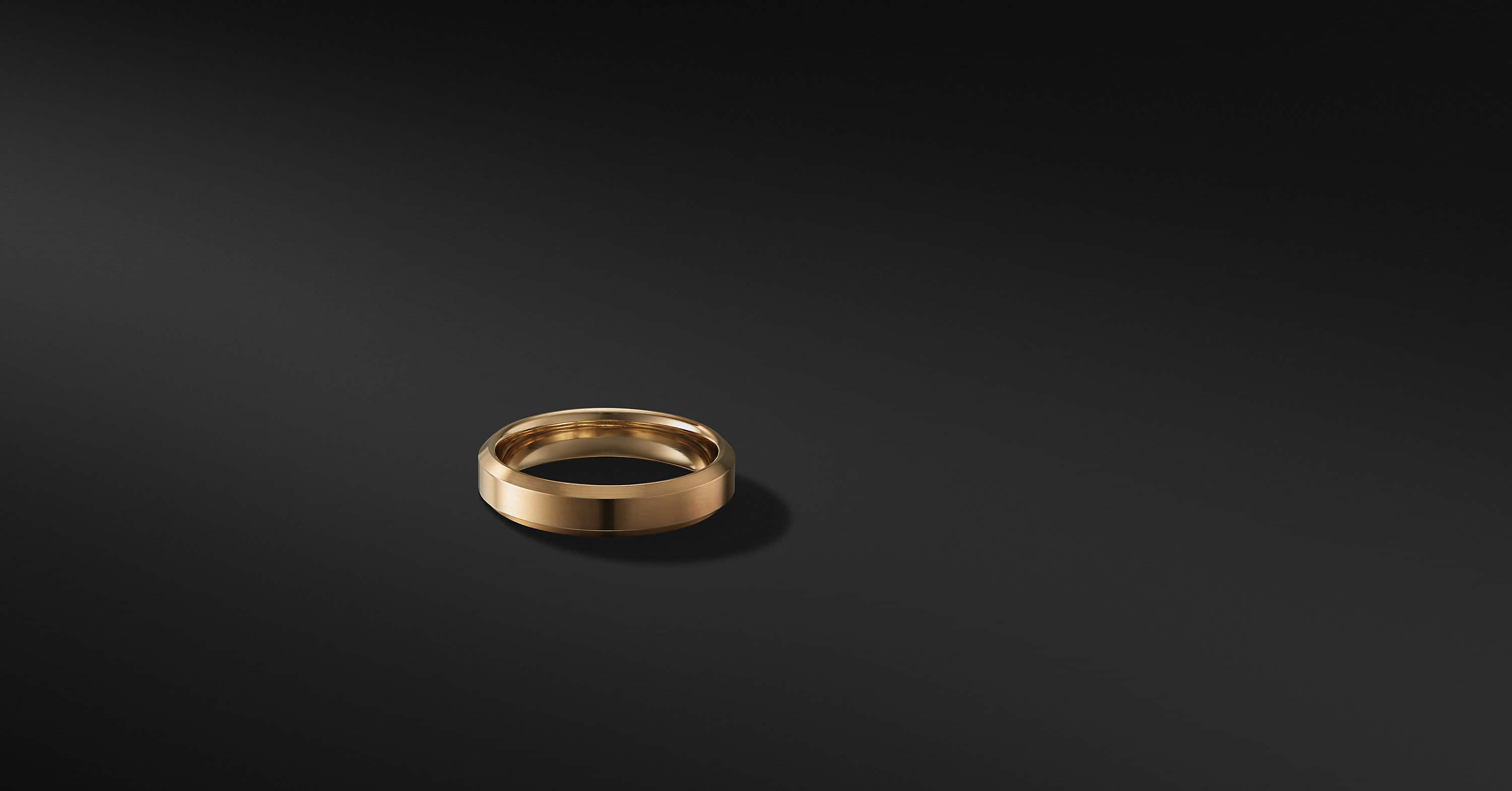 Beveled Band in 18K Gold, 4mm
