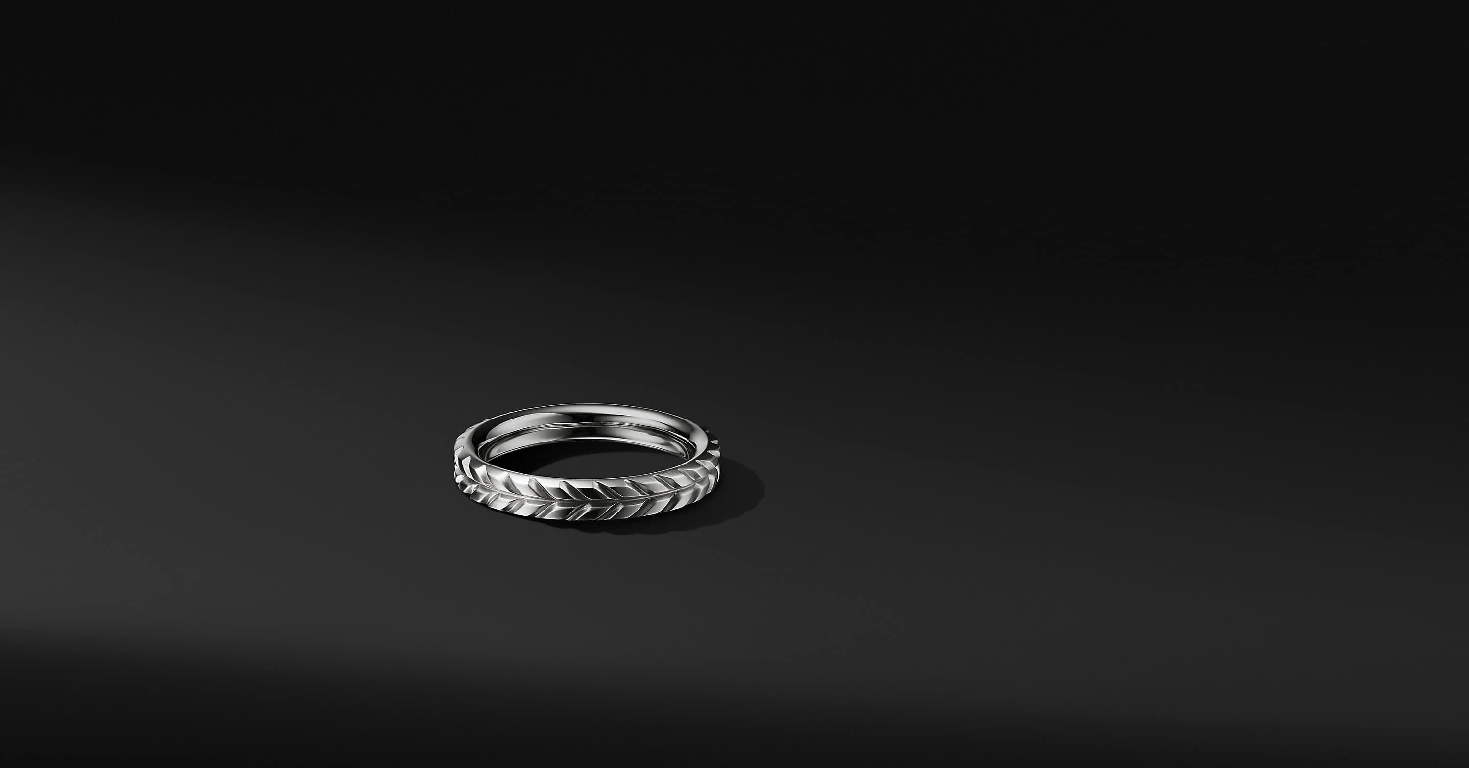 Chevron Band in 18K White Gold, 4mm