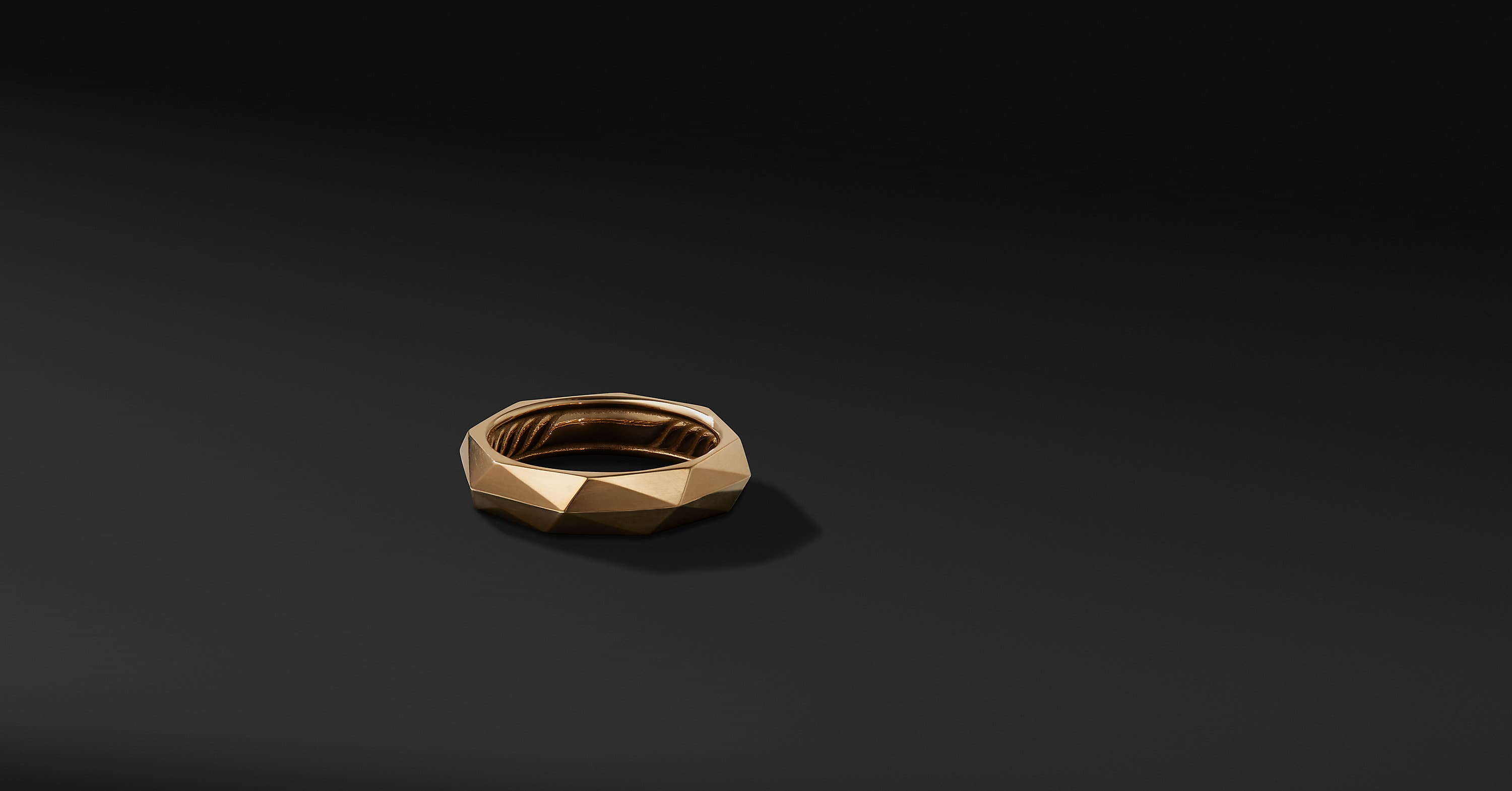 Faceted Band Ring in 18K Yellow Gold, 6mm