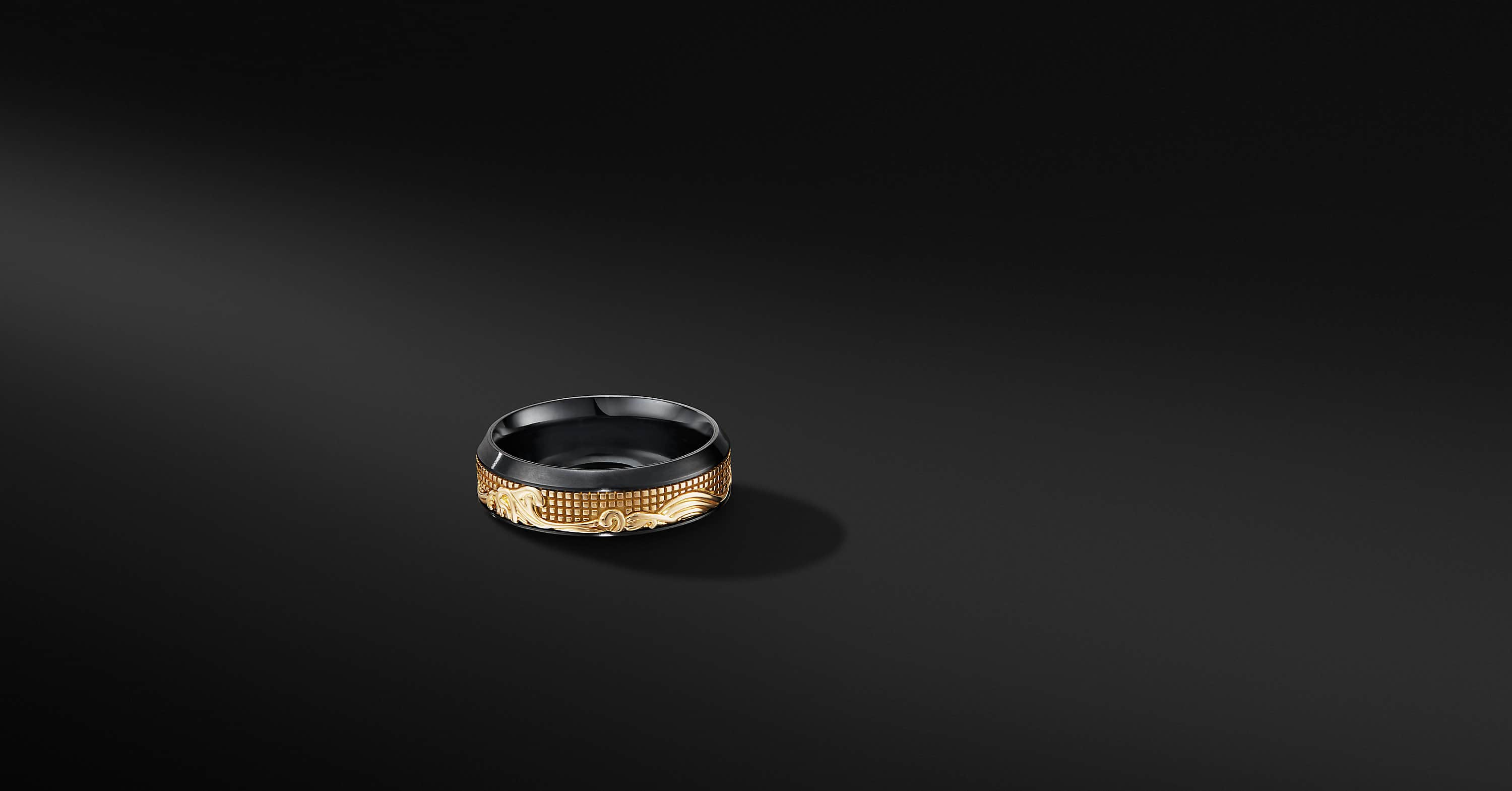 Waves Band Ring in Black Titanium with 18K Yellow Gold, 8mm