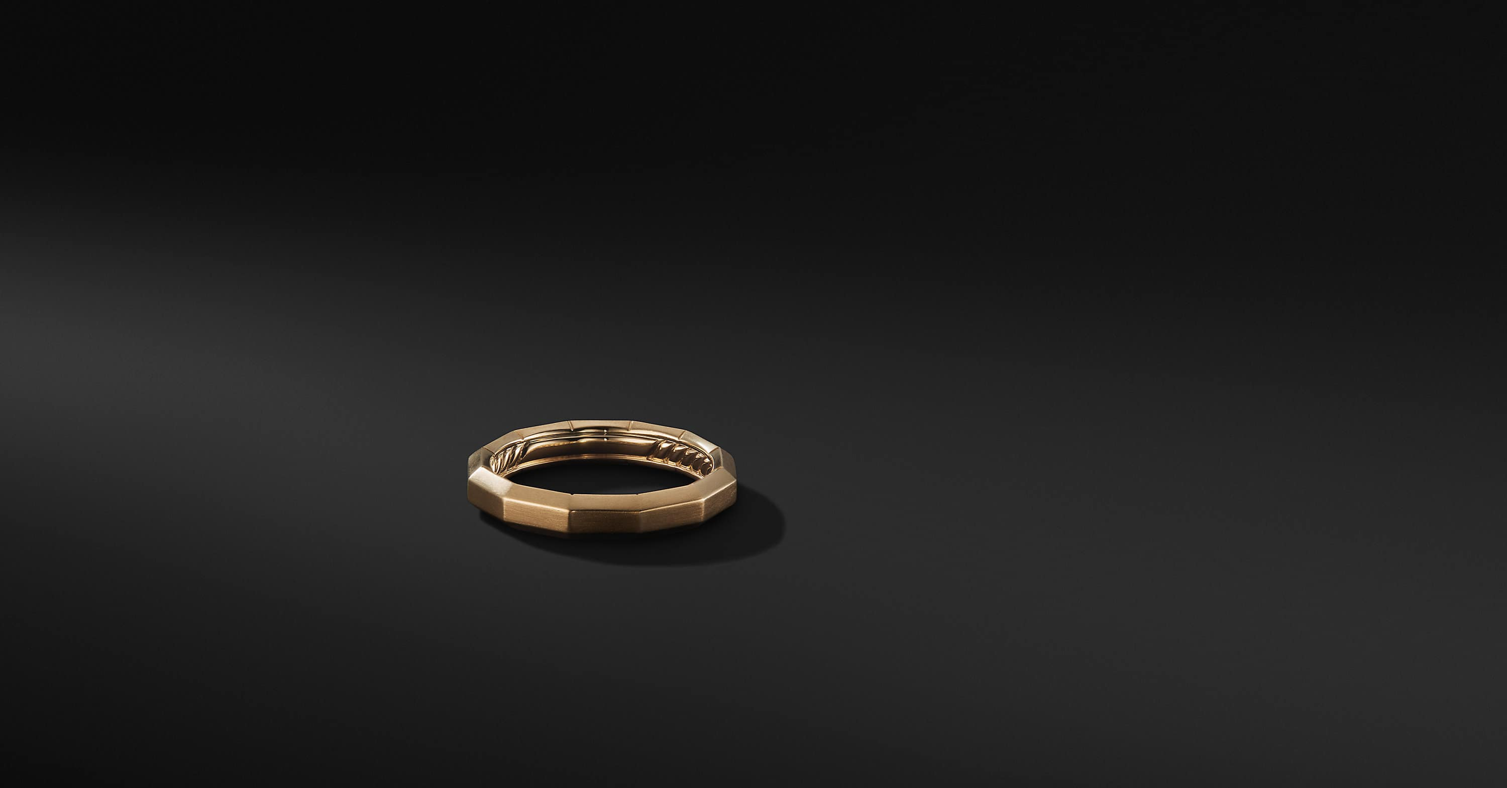 Faceted Band in 18K Gold, 4mm