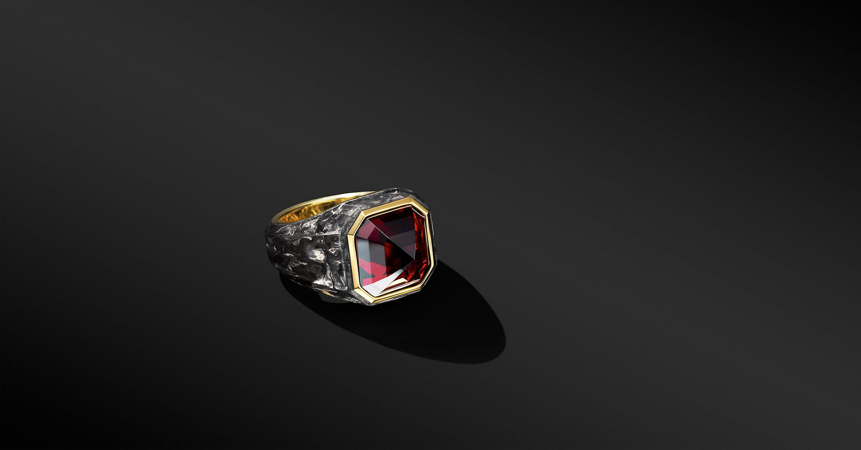 Forged Carbon Signet Ring with 18K Yellow Gold, 15mm