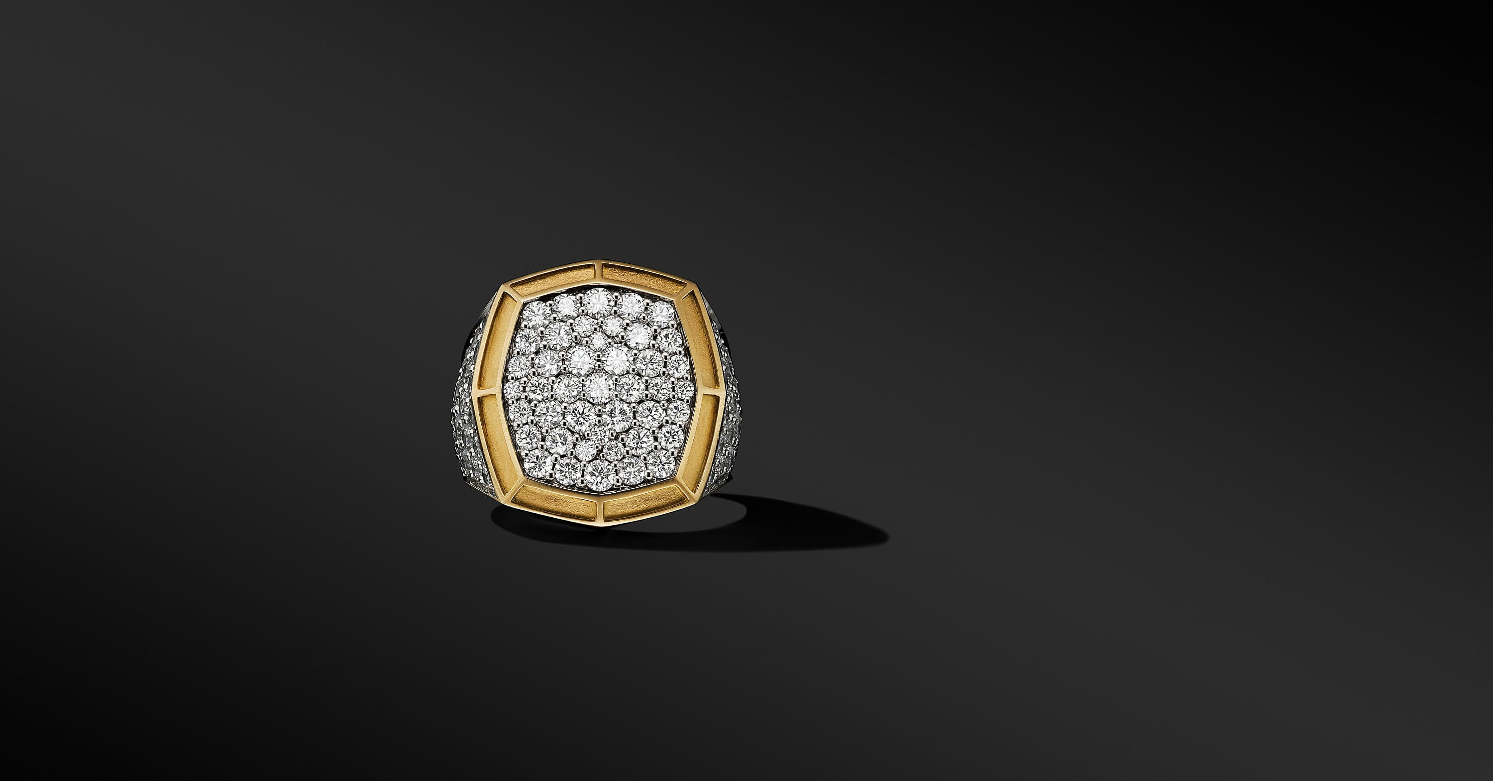 Signet Ring in 18K Yellow Gold with Pavé, 23mm